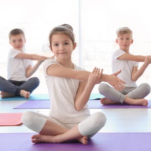 Дорогие друзья! Производится набор в группы детской и подростковой йоги на 2020-2021 год.
