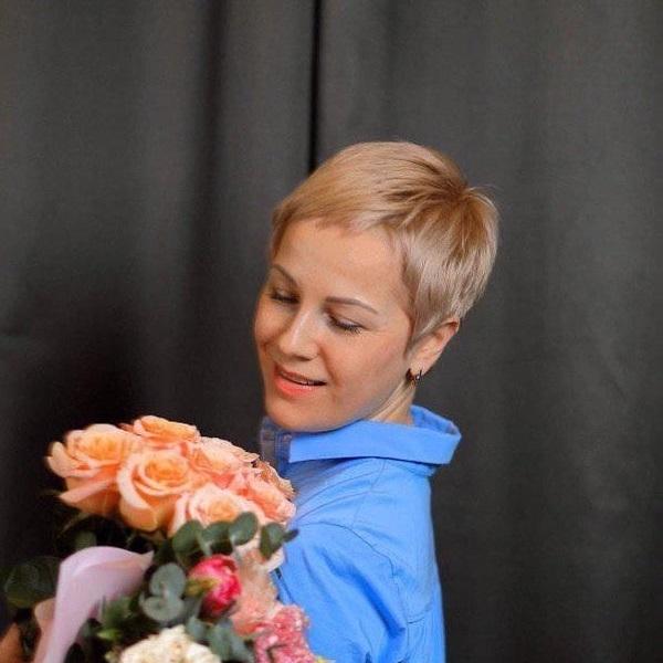 В День Рождения студии приглашаем на встречу со специалистом по эфирным маслам DOTERRA Ольгой Тяпушкиной: «Масла терапевтического класса и осознанность». 1 ноября в 13:30